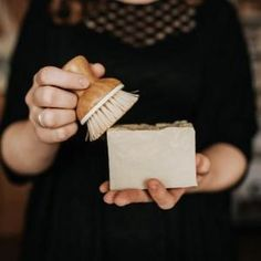 Zero Waste bar soap for dishes for your plastic-free zero waste kitchen. Package free shopping, vegan soap online zero waste store ships to the USA Deep Cleaning Tips, House Cleaning Tips, Cleaning Hacks, Green Cleaning, Cleaning Products, Diy Hacks, Tablet Recipe, Homemade Toilet Cleaner, Dish Detergent
