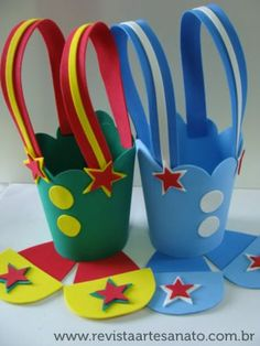 Centro de mesa patati patata Carnival Birthday Parties, Circus Birthday, Circus Theme, Circus Party, Foam Crafts, Diy And Crafts, Crafts For Kids, Paper Crafts, Clown Crafts