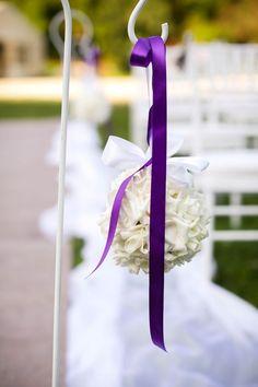 A nagy nyári forróság szabadtéri esküvőnél nem kíméli a virágokat sem. Ahol csak lehet, használjatok minőségi selyemvirágot! Outdoor Decor, Home Decor, Decoration Home, Room Decor, Home Interior Design, Home Decoration, Interior Design