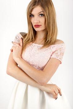 sukienka zaprojektowana przez polską markę s.Moriss, znajdź nas na Facebook!: www.facebook.com/lovesmoriss/  s.moriss s moriss smoriss  sukienka koktajlowa, sukienka, suknia, sukienka na wesele, sukienka wizytowa, koronka, rozkloszowana, kobieca, modna, Facebook, Lace, Model, Tops, Fashion, Moda, Fashion Styles, Scale Model