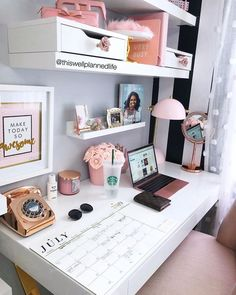 awesome Cozy Desk Decor Ideas For The Ultimate Work Space Work Desk Decor, Office Organization At Work, Study Room Decor, Cute Room Decor, Bedroom Decor, Bedroom Ideas, Work Office Decorations, Office Ideas For Work, Cubicle Organization