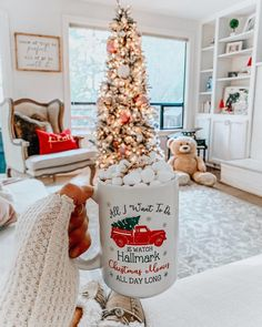 In this DIY tutorial, we will show you how to make Christmas decorations for your home. The video consists of 23 Christmas craft ideas. Christmas Feeling, Christmas Room, Noel Christmas, Merry Little Christmas, All Things Christmas, Winter Christmas, Christmas Photos, Christmas Gifts, Xmas