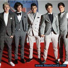 One Direction Louis Tomlinson Niall Horan Liam Payne Harry Styles Zayn Malik Niall Horan, Zayn Malik, One Direction Pictures, I Love One Direction, 0ne Direction, Harry Styles, What Makes You Beautiful, Gorgeous Guys, Beautiful Boys