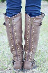 Walking In Wonderland Boots: Brown