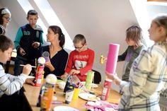 Ungeteilte Aufmerksamkeit, Raum für sich selbst und Spiel und Spaß mit Gleichaltrigen bietet das DRK im Kreis Borken Geschwistern von Kindern mit Behinderung.