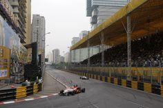 Harry Tincknell taking a tight corner at Macau