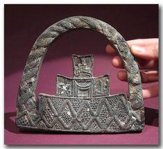 Handbag, Jiroft, Iran, early Bronze Age (late 3rd millennium BC)