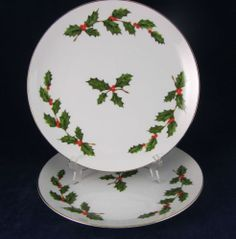2 1985 Lefton White Salad Luncheon Plates Green Holly Berry 05231 Christmas | eBay