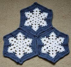 afghans New FREE Crochet Granny Square Patterns - New FREE Crochet Granny Square Patterns Granny Squares are a Crochet staple and can be used for so many projects, although blankets are my favorite. Motifs Afghans, Square Patterns, Afghan Crochet Patterns, Crochet Motif, Free Crochet, Irish Crochet, Hexagon Crochet, Crochet Angels, Crochet Blankets