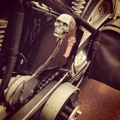 Skullshifter! #motorpike.com #harley #chopper
