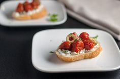 5 Tips for Making Crostini. Roasted Tomatoes on Goat Cheese with Olives and Thyme