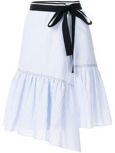 юбка с полосатым узором и завязкой на талии
