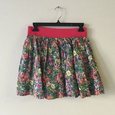 Hollister floral skirt Hollister floral greens and pinks full skirt layered new with Tags Hollister Skirts