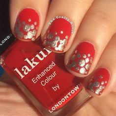 Finally had some time for some nail art! Happy Christmas Eve! ❤️❤️ @londontownusa 'Changing of the Guards' and 'Best of British'