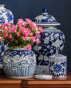 Chinoiserie Chic: Blue and White Tablescape. I like the all blue with white apple blossoms. Blue And White China, Blue China, Chinoiserie Chic, White Vases, Ginger Jars, White Decor, Wabi Sabi, White Porcelain, Shades Of Blue