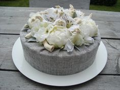 Decoration cake with silk flowers