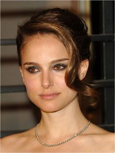 Bridal updos and wedding updo hairstyles ideas and inspiration gallery for your wedding day. Bridal updos and wedding updo hairstyle celebrity looks that would be great for a bride or wedding day. Bridal Updo, Wedding Updo, Wedding Hairstyles, Wedding Hair And Makeup, Wedding Beauty, Hair Makeup, Keira Knightley Makeup, Beautiful Natalie Portman, Nathalie Portman