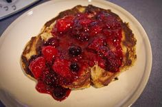 Paleomix: Pancakes with Berry Compote How To Cook Pancakes, Paleo Pancakes, Clean Recipes, Raw Food Recipes, Cooking Recipes, Bellini Recipe, Quirky Cooking, Sugar Free Vegan, Berry Compote