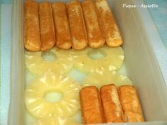 GATEAU SANS CUISSON A L'ANANAS – Pique – Assiette Hello my friends … I finally realize that, like me, you are fond of old recipes and more particularly old tupperware recipes. This is good because I love this kind of small recipes which makes me go back … No Cook Desserts, Easy Desserts, Desserts Frais, Tupperware Recipes, Fresh Cake, Mexican Dessert Recipes, Pineapple Cake, Baked Pineapple, Savoury Cake