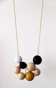 DIY: wooden bead necklace