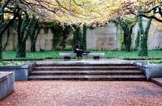 Dan Kiley, Art Institute of Chicago South Garden, 1967. Click for more images and link to Landscape Voice, and visit the slowottawa.ca boards >> http://www.pinterest.com/slowottawa/boards/
