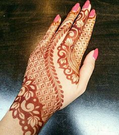 1 Mehndi Design website from India. We offer a huge collection of mehndi designs from every corner of World. Refer Latest & Arabic mehndi designs by Top Mehndi Artists. Henna Hand Designs, Mehndi Designs Finger, Mehndi Designs Book, Mehndi Designs For Girls, Mehndi Designs For Beginners, Modern Mehndi Designs, Mehndi Design Pictures, Wedding Mehndi Designs, Mehndi Designs For Fingers