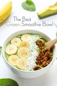 The Best Green Smoothie Bowl - creamy, delicious and ready for all of your favorite toppings! via thebalancedberry.com