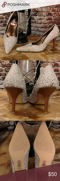 """🚛MOVING SALE!🚛Tribeca Leather Tooled Heels Gorgeous Silver and Gold tone tooled leather Stiletto Pumps. Feminine details with brass tone studs throughout. Wood-stack stiletto heel. Tribeca by Kenneth Cole heels.  Size 7. Heel 3.5"""" Kenneth Cole Shoes Heels"""