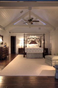 traditional bedroom by Eskuche Architecture
