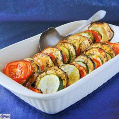 Roasted vegetable casserole - english recipe - Roasted vegetable casserole, deliciously flavored with Italian herbs, oil and cheese. Baked in the oven so that all the aromas and flavors blend well. A top recipe for Christmas. Roasted Vegetable Recipes, Roasted Vegetables, Veggie Recipes, Healthy Recipes, Pork Recipes, I Love Food, Good Food, Healthy Diners, Herbs
