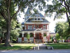 Paxton, IL Brick Victorian House By army.arch--dream home Style At Home, Beautiful Buildings, Beautiful Homes, House Beautiful, Future House, My House, Victorian Style Homes, Victorian Houses, Victorian Decor