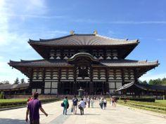 Tōdai-ji ( 東大寺, Tōdai-ji?, Grande Templo Oriental), é um complexo budista na cidade de Nara, no Japão. O templo recebeu este nome por se situar a leste do Palácio Heijō). Seu Jardim do Grande Buda (大仏殿, Daibutsuden ), abriga a maior estátua do mundo de bronze do Buda Vairochana, conhecido no Japão simplesmente como Daibutsu (大仏).
