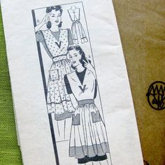 The 'V' Detail on Bib & 'V' Notched Pockets Suggest this was a WWII Victory Apron. by SelvedgeShop, etsy Vintage Sewing Patterns, Clothing Patterns, Dress Patterns, Modern Aprons, Apron Sewing, Aprons Vintage, Wwii, 1940s, Community