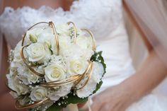 Bouquet de mariée, roses blanches, blanc et or