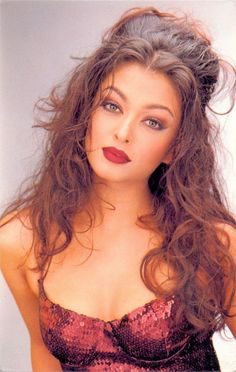 Bollywood actress who comes in top 10 list of worlds beautiful woman is Aishwarya Rai. We will discuss biography of Aishwarya Rai Bachchan and Importannt Aishwarya Rai Pictures, Aishwarya Rai Photo, Actress Aishwarya Rai, Aishwarya Rai Bachchan, Beautiful Bollywood Actress, Most Beautiful Indian Actress, Beautiful Actresses, Bollywood Stars, Beautiful Eyes