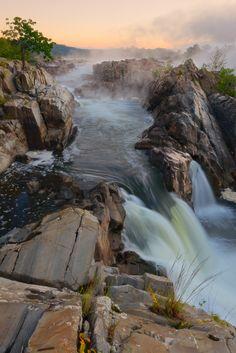 Great Falls National Park . Virginia