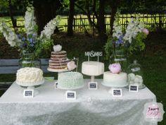 Vintage weddingcake table / vintage bruidstaarten tafel