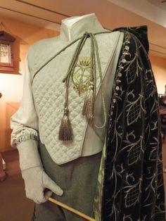 Professor Gilderoy Lockhart movie costume Harry Potter and the Chamber of Secrets