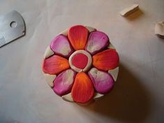 Indian Flower Cane - (French) - This picture tute has so many basics used in other flower canes.  #Polymer #Clay #Tutorial