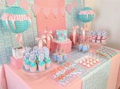Hot Air Balloon Party Theme for girl baby shower Deco Baby Shower, Fiesta Baby Shower, Shower Bebe, Baby Shower Balloons, Girl Shower, Baby Shower Parties, Baby Shower Themes, Baby Shower Decorations, Shower Ideas