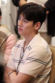 Melting Me Softly-Korean Drama-Ji Chang-wook_Subtitle Ji Chang Wook Smile, Ji Chang Wook Healer, Ji Chan Wook, Korean Celebrities, Korean Actors, Celebs, Korean Drama, Korean Music, Ji Chang Wook Photoshoot