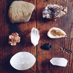 crystals follow my wild adventures on instagram at @misslesliegrace