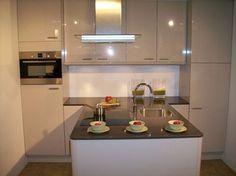 Kitchen Decor, Kitchen Design, Loft, Kitchenette, Interior Design Living Room, Cool Kitchens, House Styles, Table, Furniture