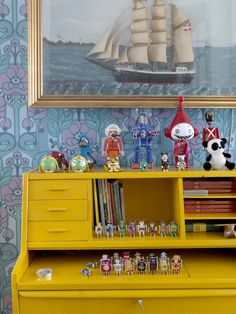 Helle Høgsbro Krag is a very creative woman, who is the owner of Danish childrenswear store Creme de la Creme a la Edgar. Her cozy home interior has a lot of Art Deco Furniture, Painted Furniture, Yellow Desk, Granny Chic, Cool Wallpaper, Painting Wallpaper, Interior Exterior, Kid Spaces, Colour Schemes