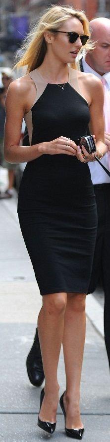 Resultado de imagem para vestido preto candice andando na rua