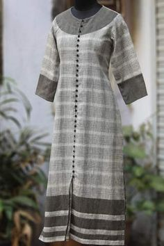 stanza kurta in kala cotton - silver brick by the moon bay – maati crafts Simple Kurti Designs, Salwar Designs, Kurta Designs Women, Kurti Designs Party Wear, Dress Neck Designs, Blouse Designs, Beautiful Casual Dresses, Kurta Patterns, Mode Abaya