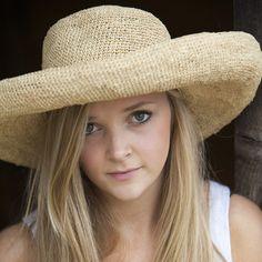 Ladies raffia sun hat