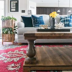 Build a DIY Restoration Hardware-inspired balustrade coffee table with this tutorial by Jen Woodhouse of The House of Wood and free plans by Ana White. Repurposed Furniture, Home Decor Furniture, Diy Home Decor, Furniture Design, Kids Furniture, My Living Room, Home And Living, Living Room Decor, Living Spaces
