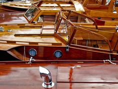 Träbåtar & Träinredning m m - Art Photo Motor Cruiser, Classic Wooden Boats, Classic Sailing, Power Boats, Photo Art, Motor Yachts, Sailboat, Building, Sweden