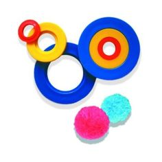 Appareil pour faire des pompons dans la boutique #mychicmercerie sur DaWanda.com. Fini les morceaux de carton qui se plient ! Idéal pour réaliser des pompons de trois tailles différentes, pour embellir ou finir vos bonnets et pour occuper vos enfants dans la créativité !